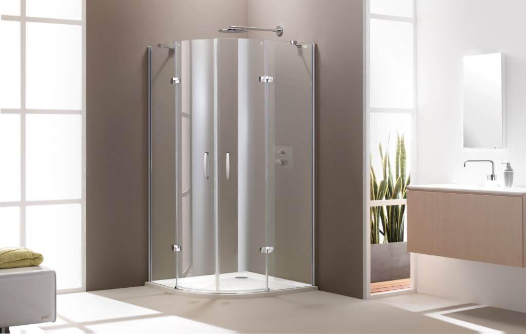 Szabadon álló zuhanyfal